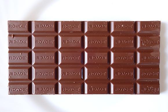 ロイズの板チョコレート「ミルク」の中身